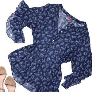 VINCE CAMUTO Ruffle Sleeve Blue Floral Top - Sz L